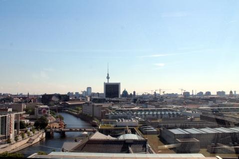 Vista della Fernsehturm dalla Cupola del Reichstag