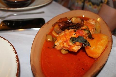 Stocco in umido con patate e olive alla mammolese